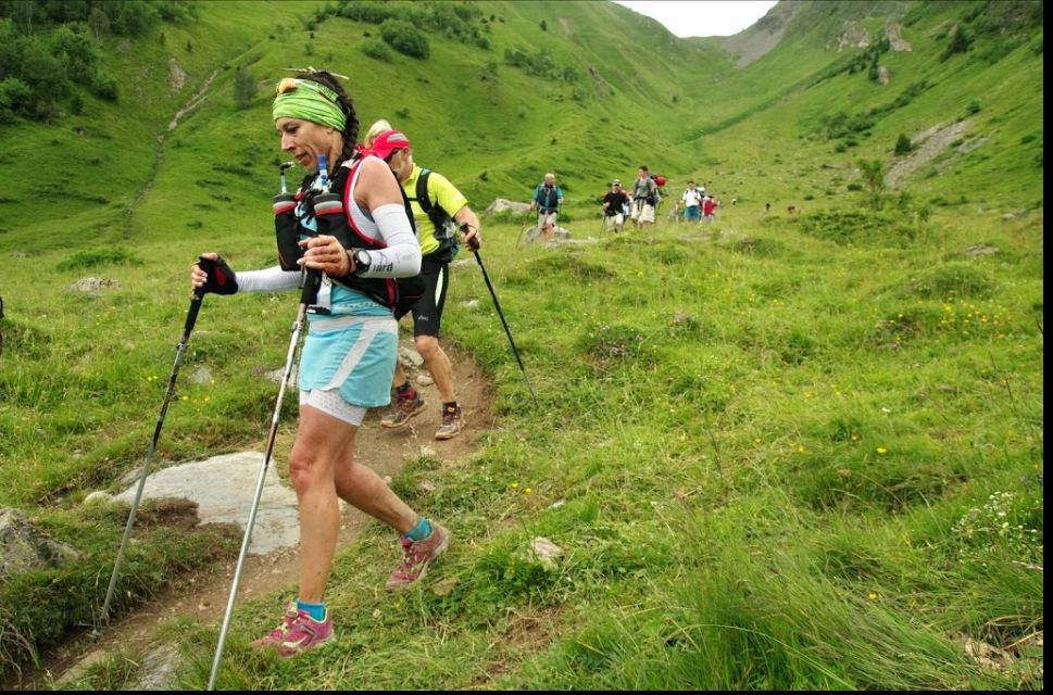 Corinne Fernandez, UTMB 2014, descente du col du Tricot